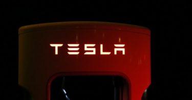 Comprar acciones Tesla